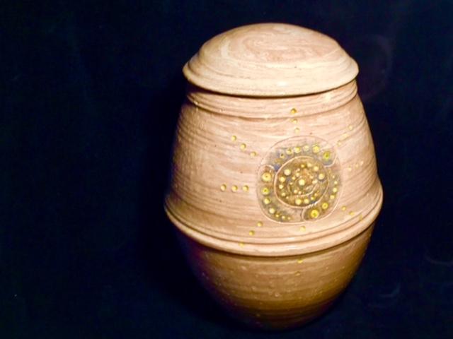 burial urn 8