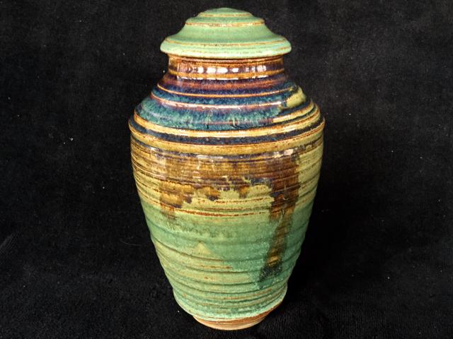 burial urn 6
